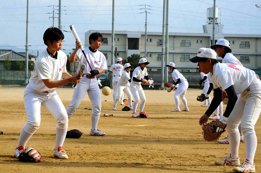 ソフトボール練習風景