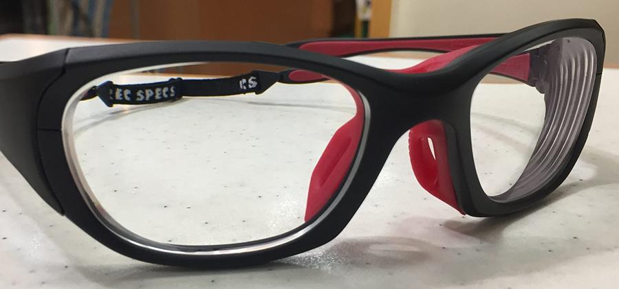 サーフィン用として使う度入りスポーツメガネを制作しました。
