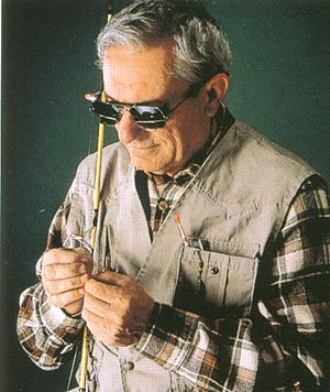 釣りどきにエサ等を付ける時に、見ずらい方に最適な跳ね上げメガネ