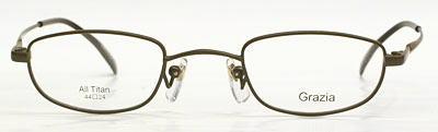 ド近視の方の眼鏡のウズが目立たなくフレーム。