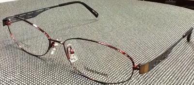 マツコ・デラックスさんがお気に入りの大きいメガネフレームです。