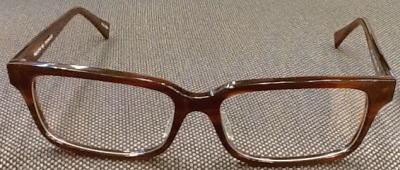メイドインジャパンのキングサイズメガネです。