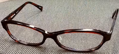 福井県は鯖江市で生産しました大きいサイズのセル素材の眼鏡フレームです。