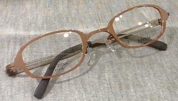 最強度近視の方の快適な眼鏡フレームのご提案。(スペキオ)