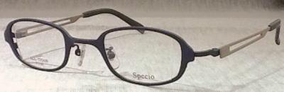 上品な強度近視メガネフレーム「スペキオ」誕生。