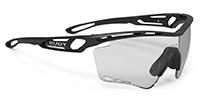 快適なスポーツメガネ度入りTRALYX XL トラリクスXLのご紹介|フレームカラー:マットブラック/レンズカラー:インパクトX®2 調光ブラックレンズ
