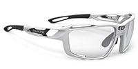 広い視野を確保できる度付きスポーツサングラスRUDYシントリクス|フレームカラー:ホワイトグロス/レンズカラー:調光インパクトX®2