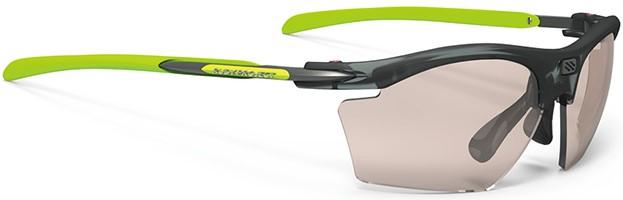 プレーに集中できる度入りスポーツサングラスのご提案ルディRYDON SLIM|フレームカラー:フローズンアッシュ/レンズカラー:調光レーザーブラウンインパクトX®2