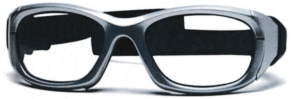 サッカーどきのアクティブな動きもズレ落ちにくいスポーツメガネのご提案。