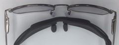 一体型スポーツサングラスの度入りと一般の度付きサングラスのカーブの違い。
