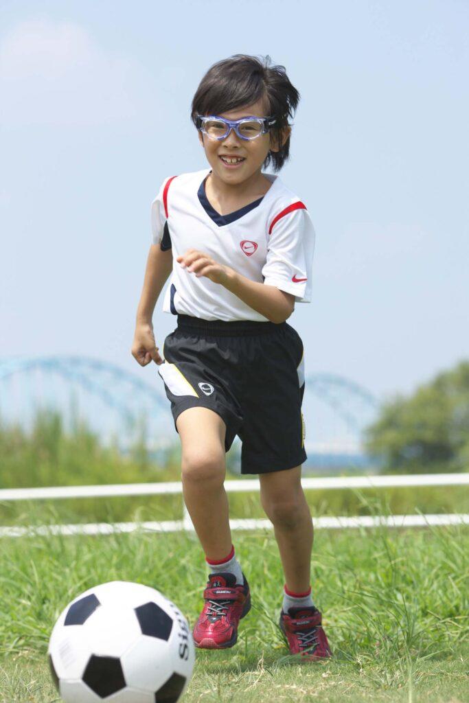 子供用サッカー保護メガネ