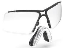 快適な度入りスポーツサングラスを製作するためのインナーフレームです。