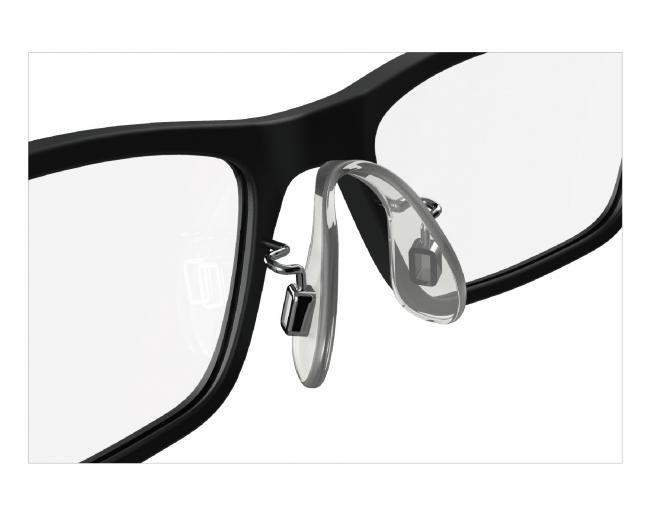 眼鏡のパッド部の構造をズレにくい設計で製作したフレーム。