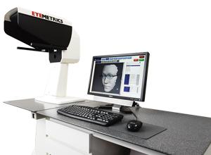 卓球どきの激しい動きにもズレにくいメガネを製作するためのお顔形状測定機