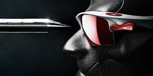 スポーツメガネどきのサングラスは衝撃に強いレンズが望ましい。