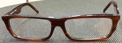 スクエアータイプの大きいメガネ