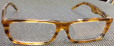 スクエアタイプの大きいメガネ枠
