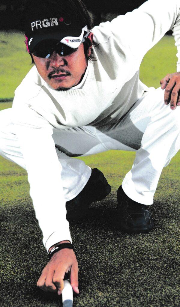 ゴルフどきのスポーツ用サングラスは遠近感を高めます