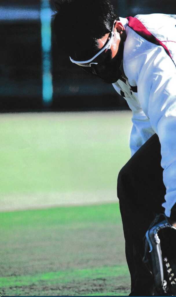 野球どきのスポーツ用サングラスは照り返しをカットすることでボールをハッキリ捉えます。