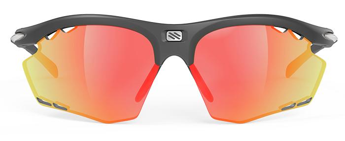ランニングどきの掛けやすさを追求したサングラス