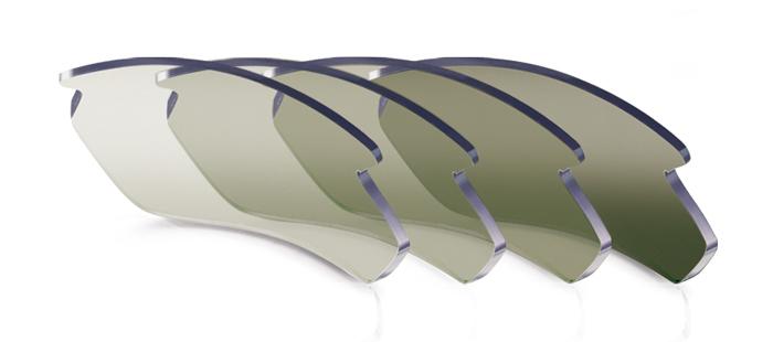 スポーツサングラスに適した割れにくい色の変わるカラーレンズインパクトX® 調光ゴルフレンズ