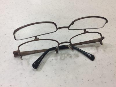 単式タイプの跳ね上げメガネ