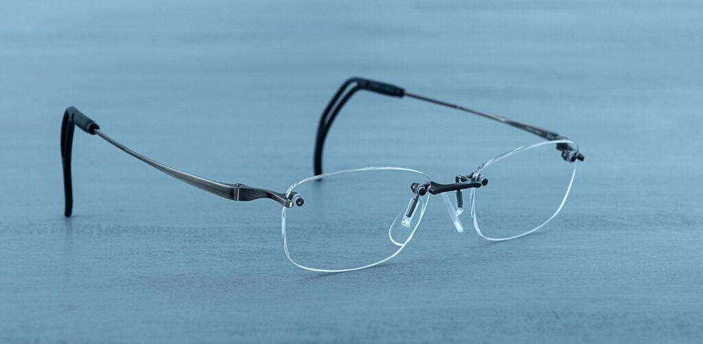 軽くてズレにくいテニスどきのメガネ