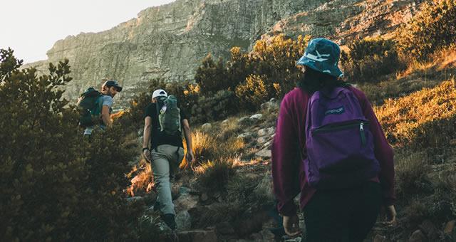ハイキングどきの山の風景の見え方が変わるタレックス偏光レンズ