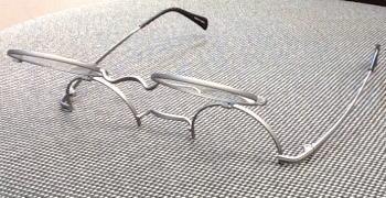 一山の跳ね上げ丸メガネ限定品Envorg