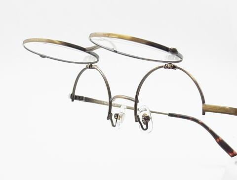 丸メガネ研究会のオリジナル企画跳ね上げメガネ